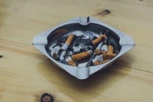 Arreter-de-fumer-la-cigarette-avec-le-CBD